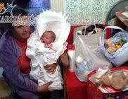 Lacika családját is ruhával, élelmiszerrel, játékokkal támogatta a Karitáció Alapítvány