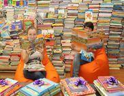 Ötezernél több mesekönyvet kaptak gyerekektől a Gyógyító Mesedoktorok 2014-ben