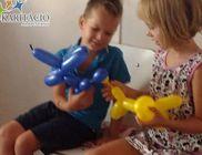 Jó kedvet varázsoltak a gyermekorvosi rendelőbe a bohócdoktorok