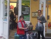 Őszi és téli ruhákkal és lábbelikkel támogatta a rászorulókat a Karitáció Alapítvány
