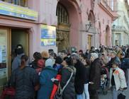 Négyszáz család kapott ünnepi élelmiszercsomagot