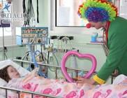Bohócdoktorok küzdenek a gyerekek gyógyulásáért