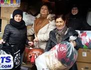 Három tonna ruhaadományt kaptak az öcsödi rászorulók