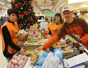 Két tonna élelmiszert gyűjtöttünk nélkülözők számára