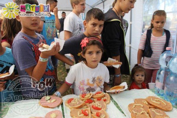 A Mátrix Közhasznú Alapítvány állami gondoskodásban élő gyermekek étkeztetését támogatta