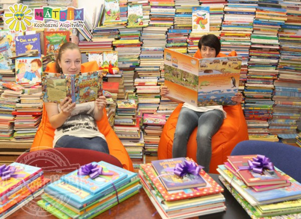 Meseolvasással segítenek a gyermekmentő mesedoktorok kórházak gyermekosztályain - mesedoktor.hu