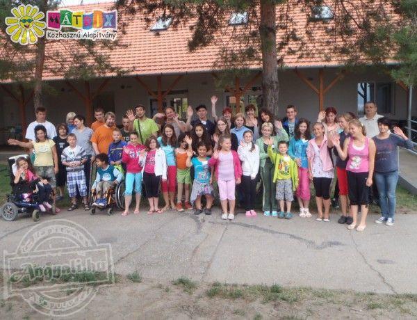 Mozgássérültek nyári táborozását is támogatta a Mátrix Alapítvány