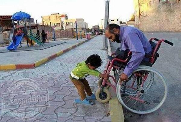 Mindenki úgy segít a másiknak, ahogy tud, a lényeg, hogy segítsünk!