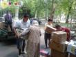 Mátrixos segélyszállítmány rászorulóknak