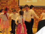 Moldvai Magyar Oktatásért Alapítvány - Oktatás, nyelvoktatás, szociális tevékenység
